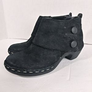 Merrell Black Leather Ankle Booties. Size 7.5